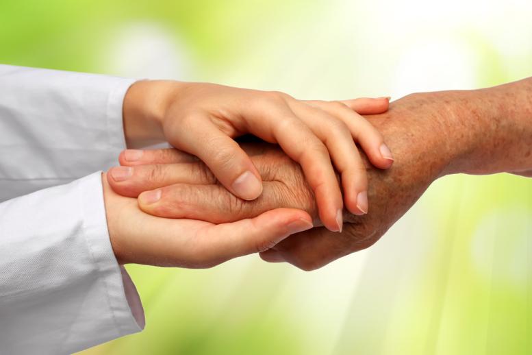 Fórum de Enfermagem aborda questões prementes em Saúde, como atenção domiciliar, cuidados paliativos e desospitalização